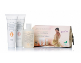 Anne Geddes Travel Kit For Mother Κρέμα ελαστικότητας & πρόληψης Ραγάδων, 50ml & Ενυδατική & Αναπλαστική κρέμα σώματος, 50ml & Αφρόλουτρο με φυτικά εκχυλίσματα, 75ml.