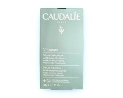 Caudalie Vinopure Blemish Control Salicylic Serum Oρός στοχεύει τα μαύρα στίγματα, τα σπυράκια, την υπερβολική έκκριση σμήγματος και τους διεσταλμένους πόρους 30ml